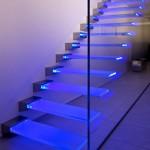 Nuove scale di vetro e luce