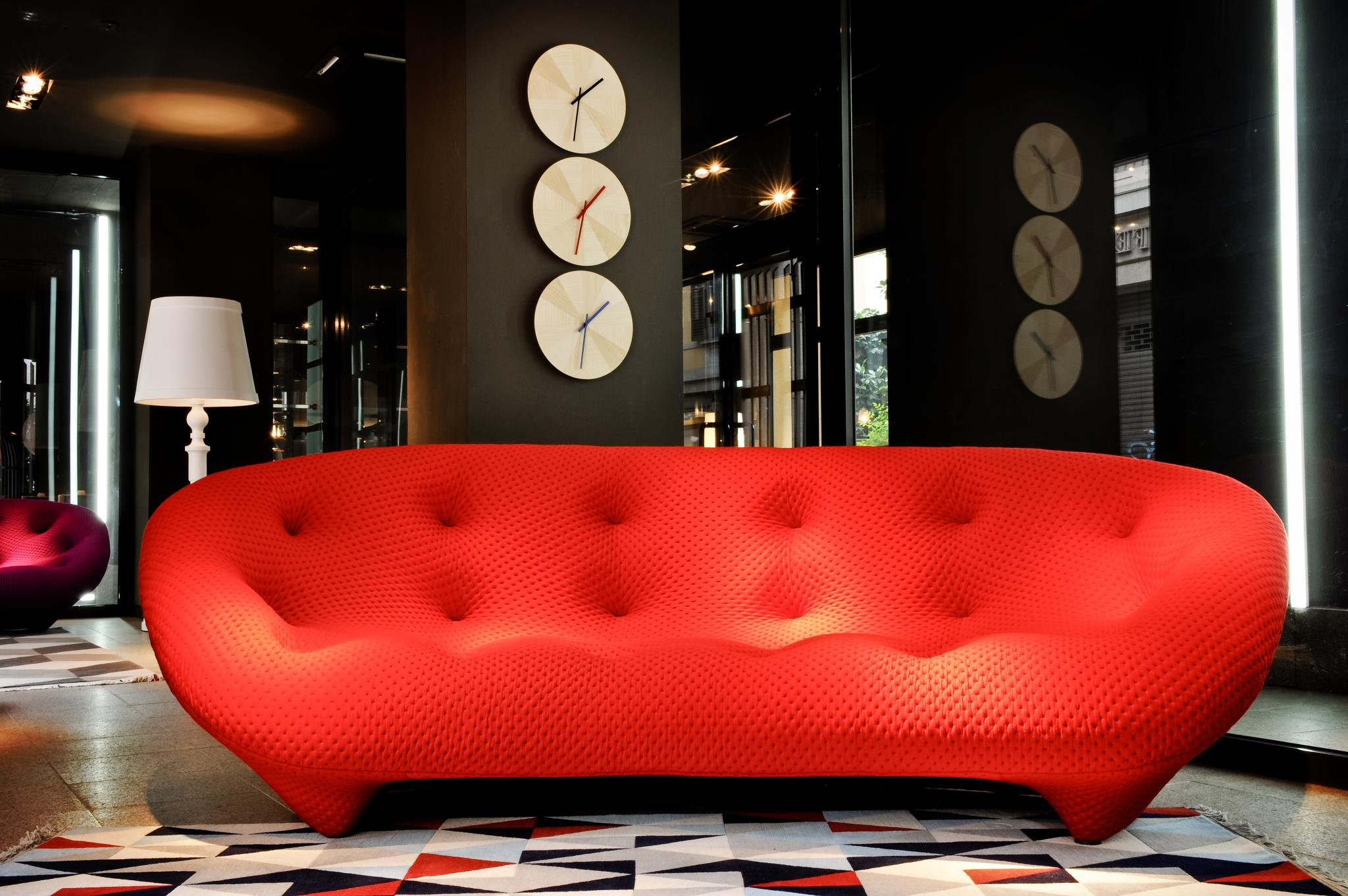 The sofas ploum the bouroullec brothers protagonists for Ligne roset canape