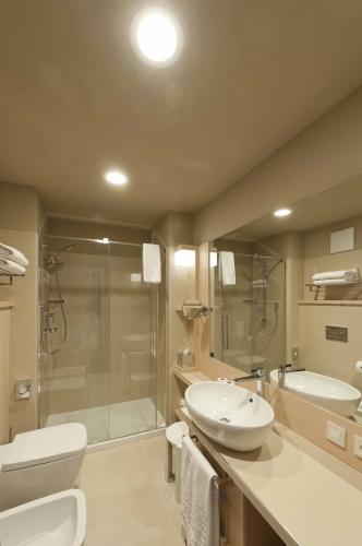 Hansgrohe per aqualux hotel spa hansgrohe per aqualux - Sala da bagno ...